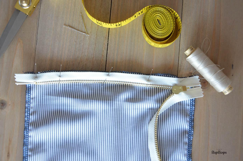 como se cose una bolsa de deporte o de viaje con tu máquina de coser paso a paso con living in flipflops